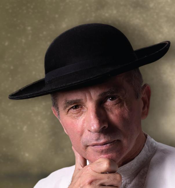Folk singer Grigore Leşe